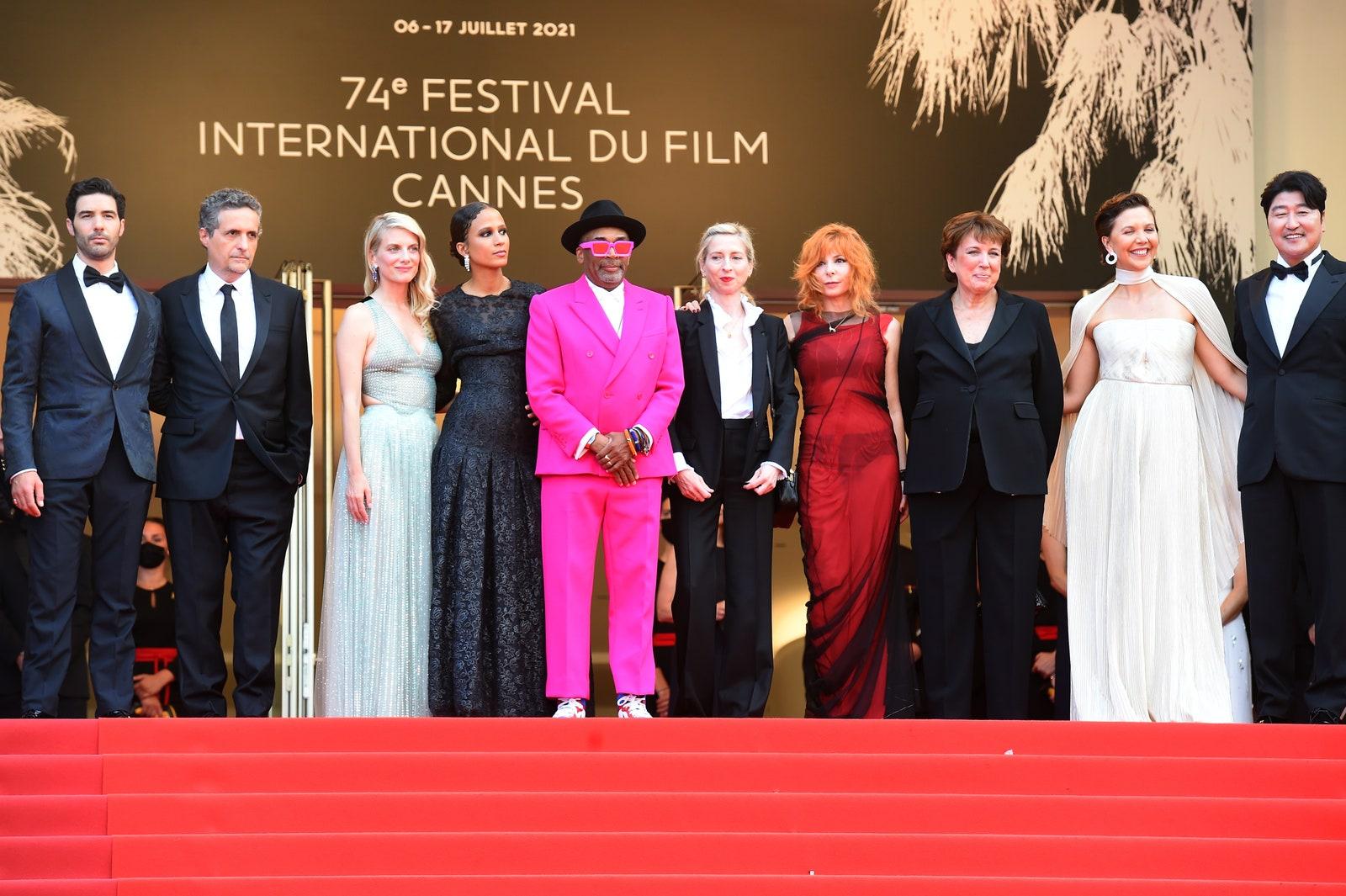 Festival de Cannes 2021 : Voici les plus beaux looks de la Cérémonie d' ouverture | AMAG